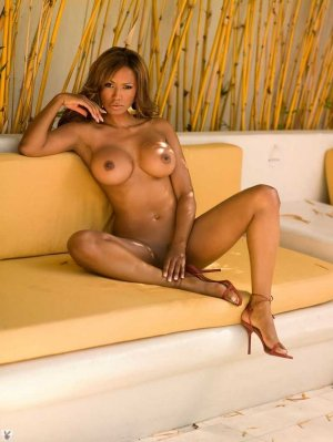 Theresia naked outcall escort in Cary, NC
